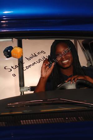 24746 Kashama Horton in bus and in studio glass writing viewbook 2007
