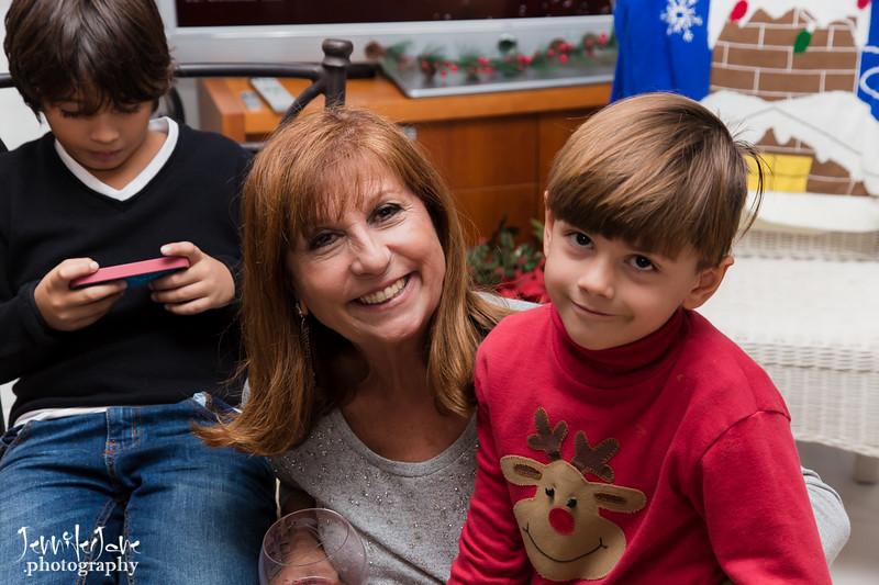 9_family_christmas_2016_jenniferjane.photography-2283.jpg