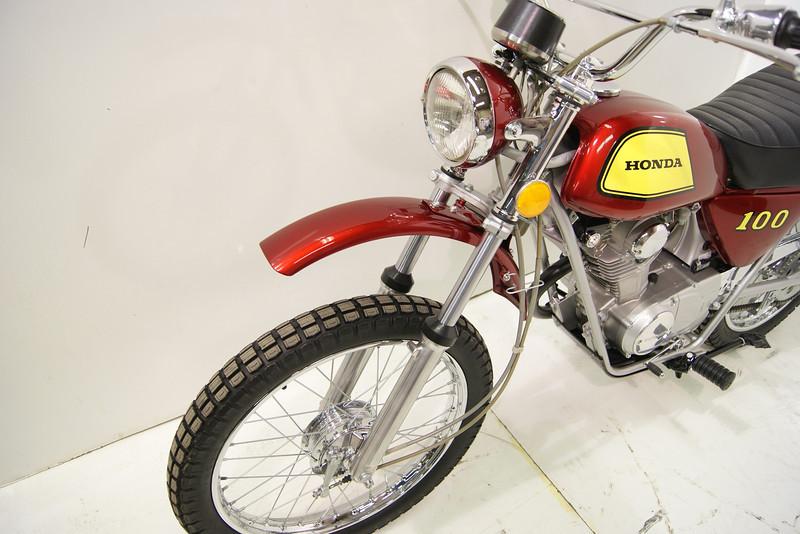 1972SL100 7-11 008.JPG