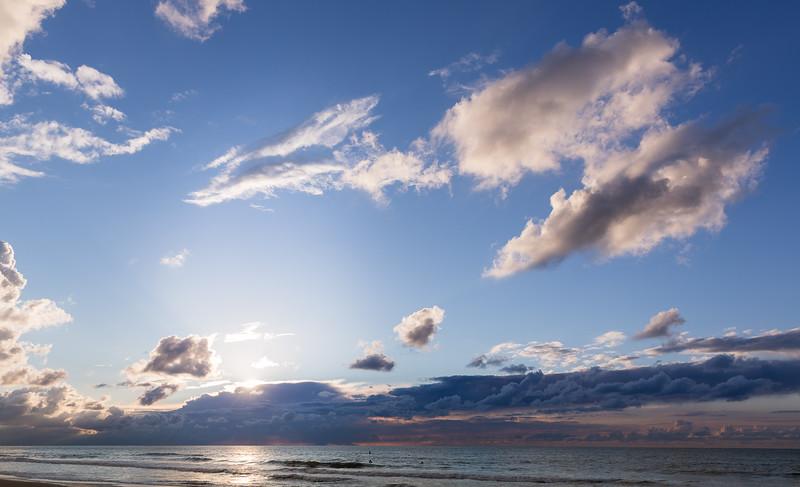 Ocean with blue sky 2048px 85 003.jpg