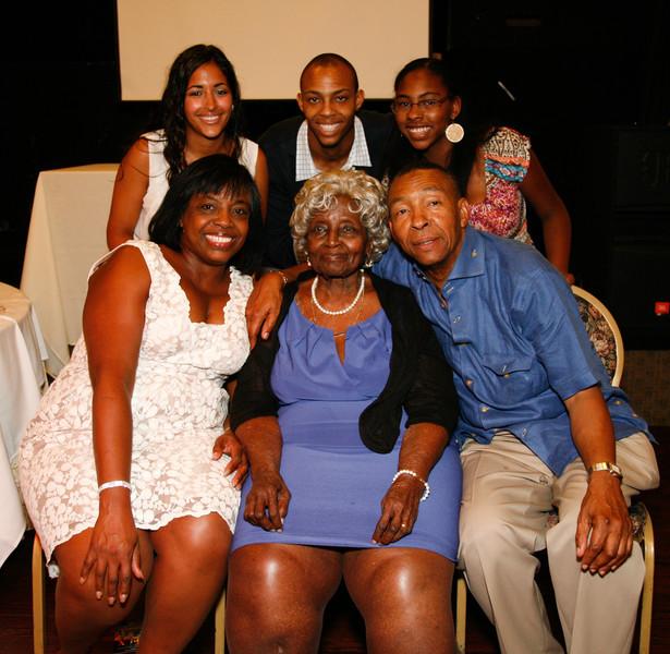 Edouard Family Reunion-3829.jpg