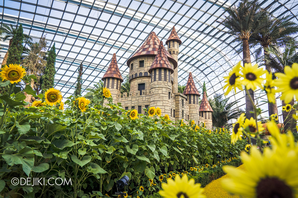 Gardens by the Bay – Sunflower Surprise / Castle overview Yellow Brick Hidden