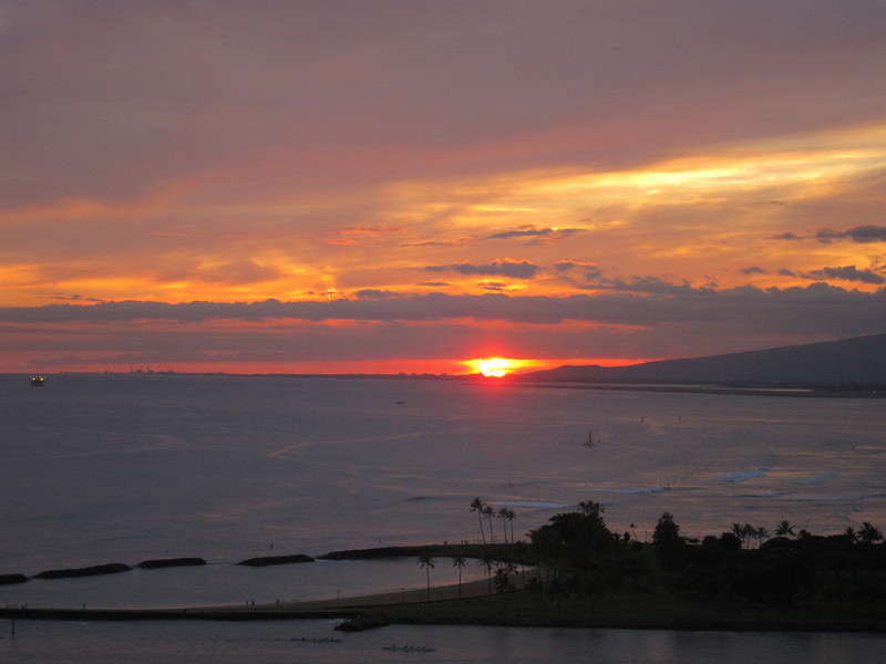 Oahu Sunsets and Fireworks at the Hilton Hawaiian Village
