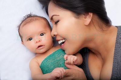 Emma + Osciea Mommy and Me