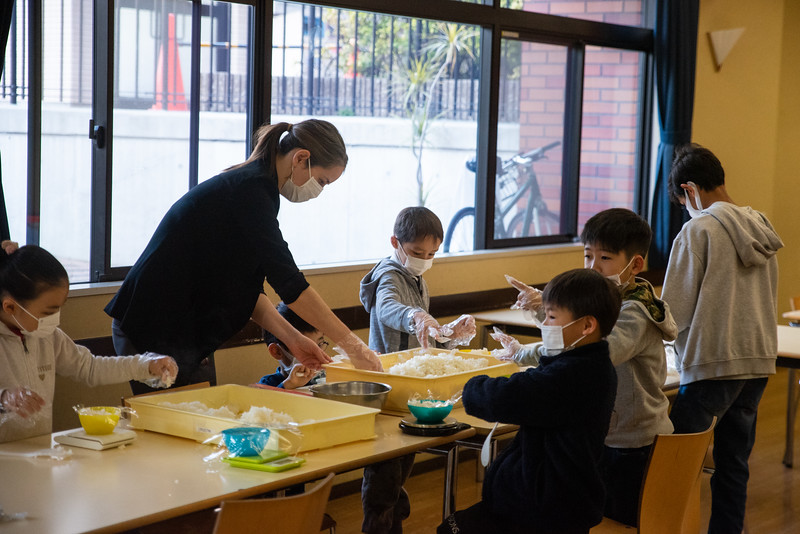 Grade 1-Making Onigiri For Chiku Center-ELP_8703-2018-19.jpg