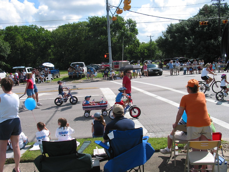 Picture_DON_70042004_Parade_013.jpg