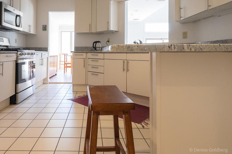 kitchen :: countertop support