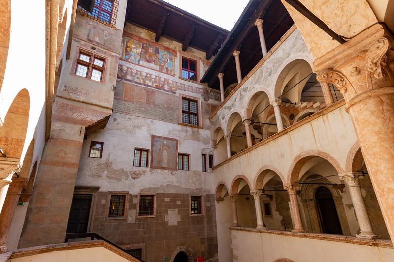 Inside courtyard of Giunta Albertiana