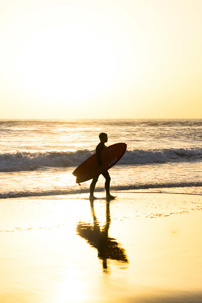 20171008_KW_Walking_into_the_surf.jpg