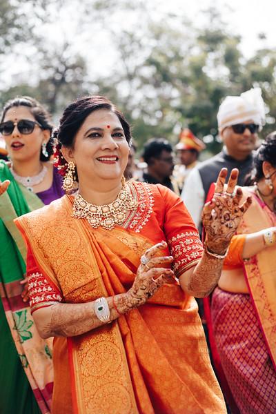 Poojan + Aneri - Wedding Day EOSR Card 1-0999.jpg