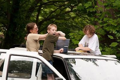 sandi daniel theresa bethany washing car May 26, 2012