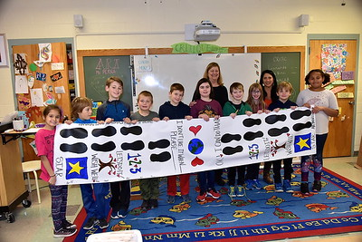 Fourth Grade's Time Machine Problem Solve Banner photos by Gary Baker