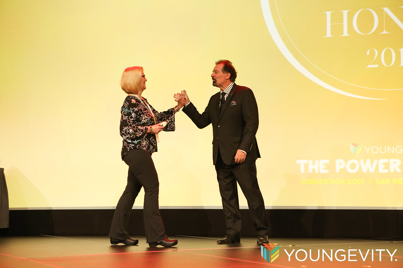 09-20-2019 Youngevity Awards Gala ZG0211.jpg