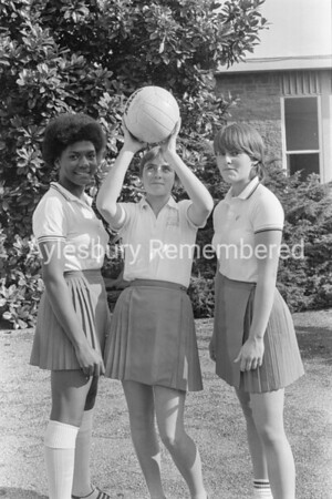 Grange School netball girls, Oct 1981