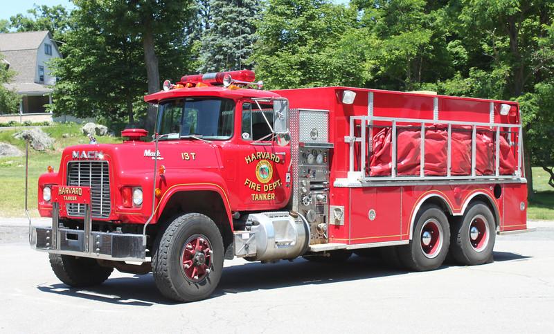 Tanker 1 1989 Mack R/KME 750/3000