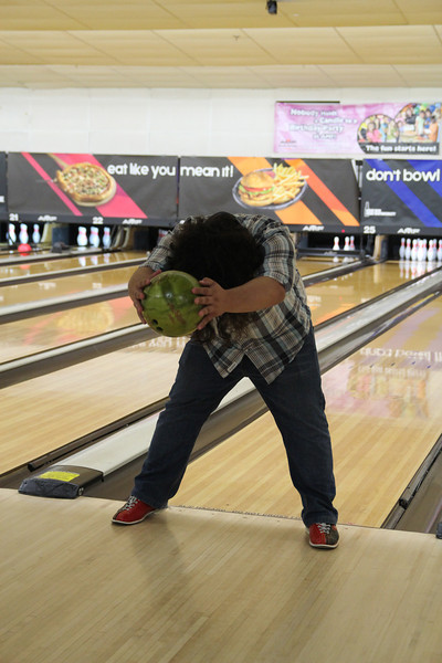 10/18/2012 - This is how ChrisB bowls.