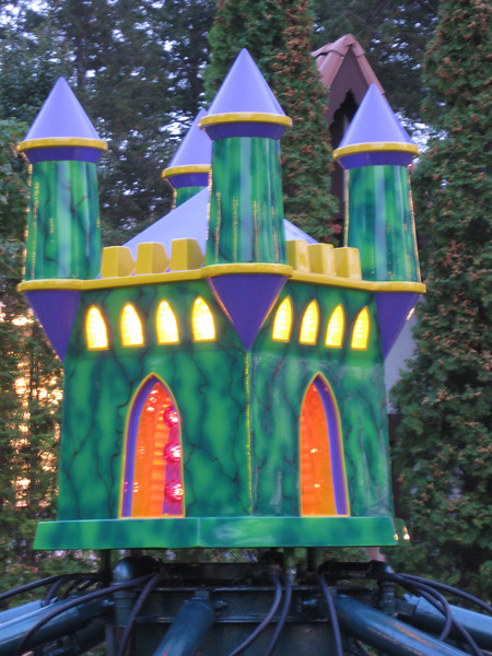 The castle on the Mini Dinos ride.