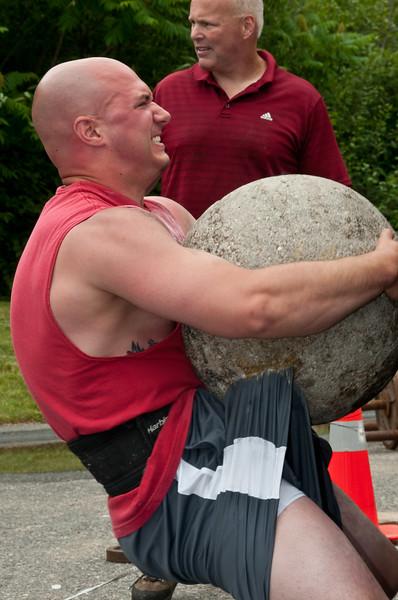 Fitness Revolution Strongman Challenge 2011_ERF4488.jpg