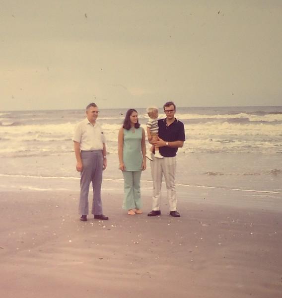 1971-25 Houston-01.JPG