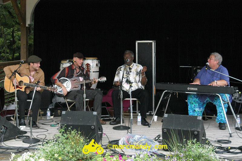 Phila Folk Fest- Sun 8-28 008 Blues Workshop.JPG