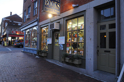BS Book-Signing Newburyport Dec 12