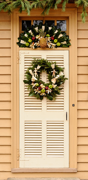 Handmade Holiday Wreaths & House Decorations