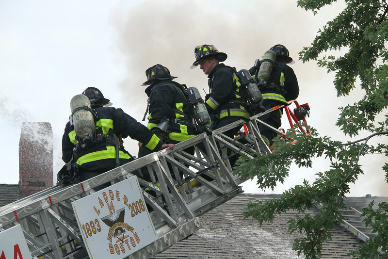 8-21-14, Boston - 4th Alarm 105 Murdock Street 111.JPG