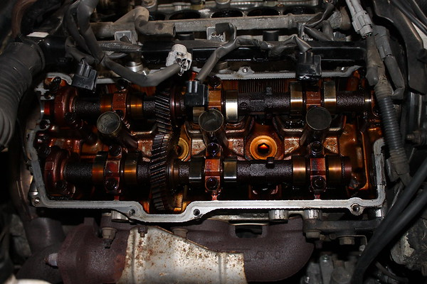 Valve cover gaskets and cam seals
