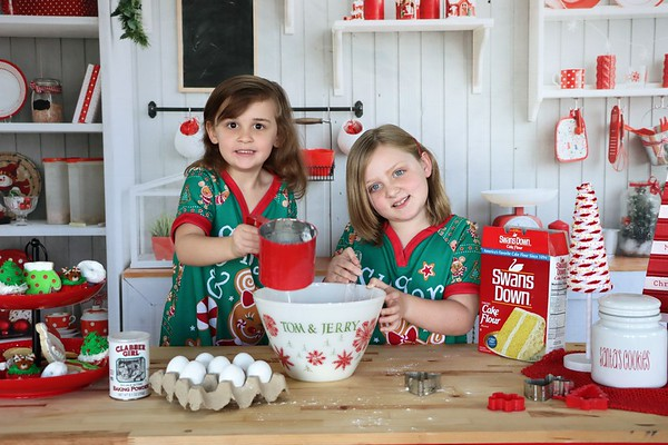 Bella and Irelynd   Christmas 2020