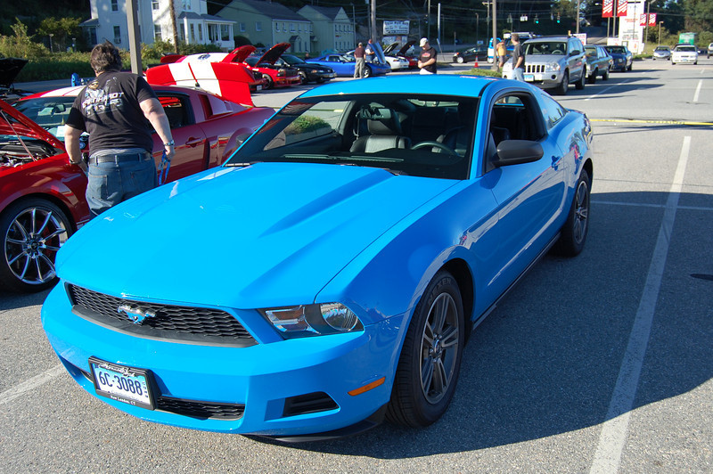 CT Mustang Cruise-in 091512 017.JPG
