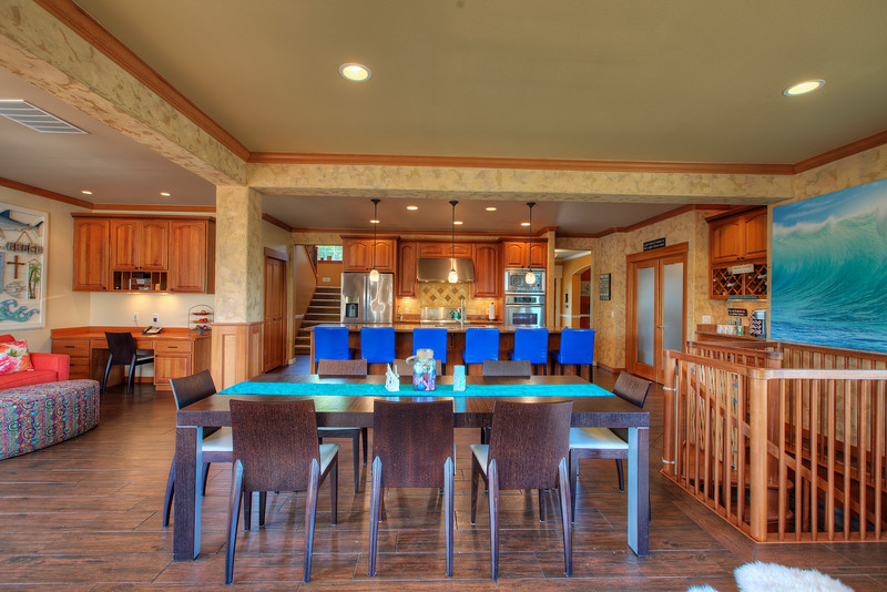 Dining area into kitchen.jpg