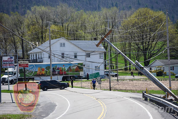 Schuylkill County - E. Union Twp. - Pole / Wires Down - 05/02/2018