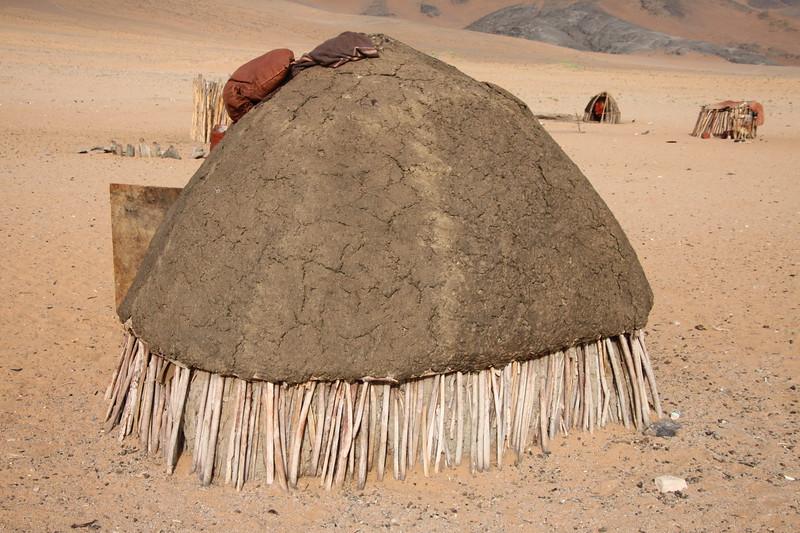 Himba dung house