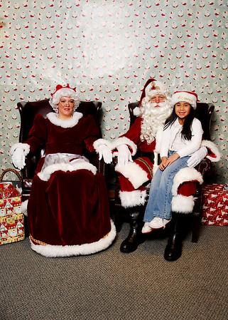 Santa Visits ReMax 2009
