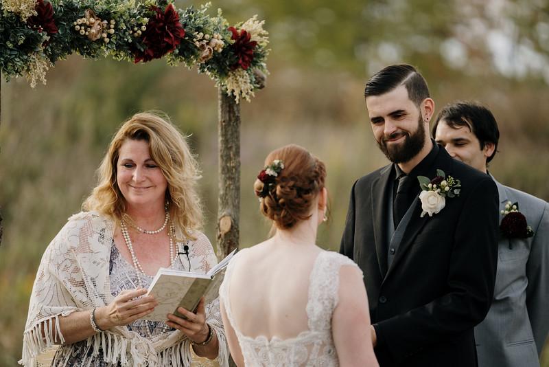 rustic_ohio__fall_barn_wedding-229.jpg