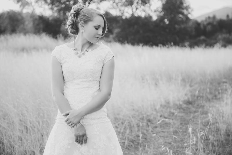 Bridals-31BW.jpg