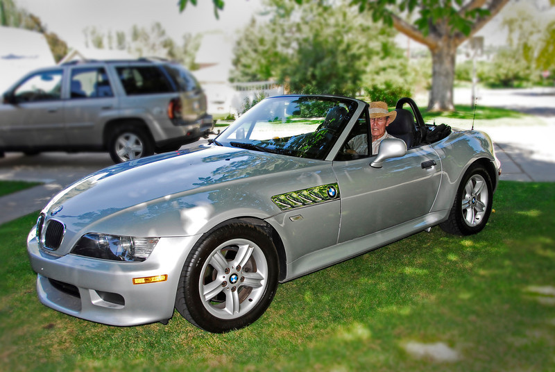 2011/8/23 - I ended up buying a gray Z3 rather than the red one. I took it over to my parents at lunch time to give them both a ride. My dad makes the car look really good. Especially with that cowboy hat. It is a very fun ride and I got an amazing price for it. Hopefully it lasts for many, many years of fun weekend rides with Lisa.
