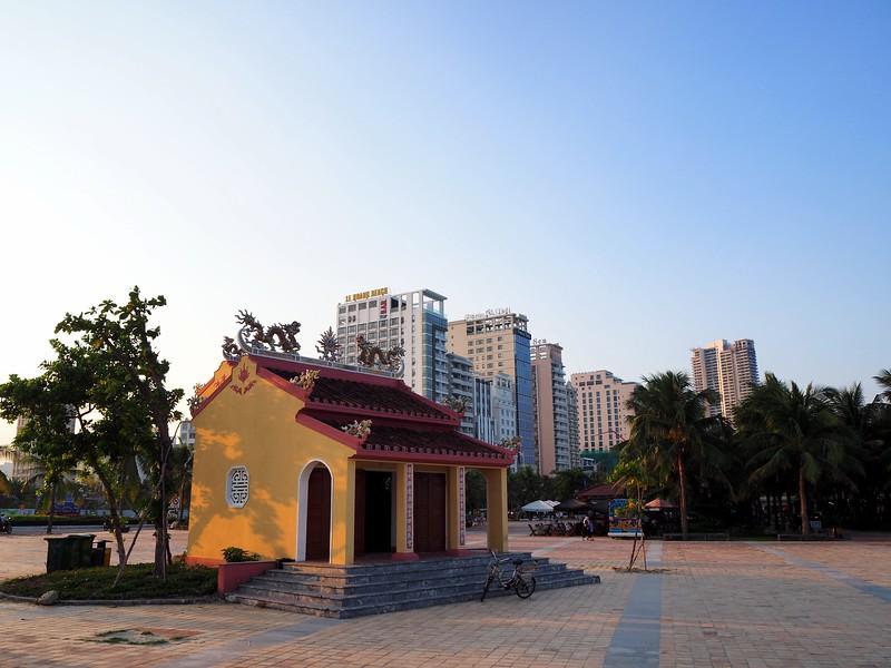 PA080117-beach-temple.jpg