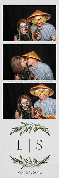 ELP0421 Lauren & Stephen wedding photobooth 41.jpg