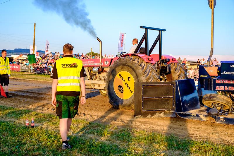Tractor Pulling 2015-1983.jpg
