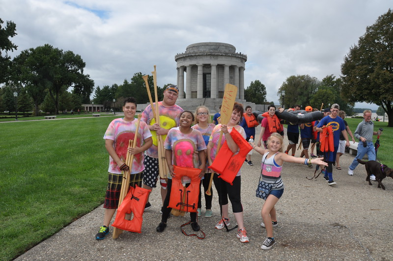 160917 Family Weekend Tube Race teams in front of Clark Memorial (4).JPG