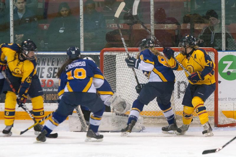20130310 QWHockeyvsUBC 567.jpg