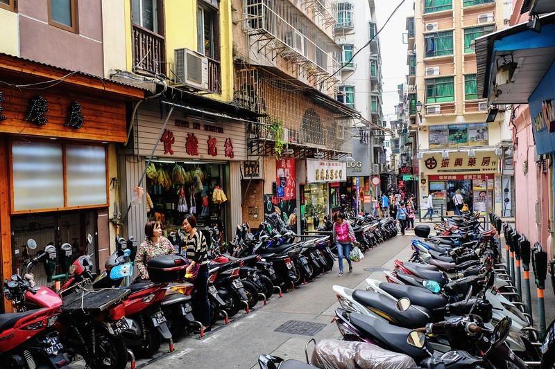 mopeds-macao.jpg