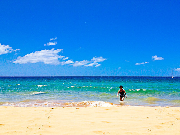 beach mom.jpg