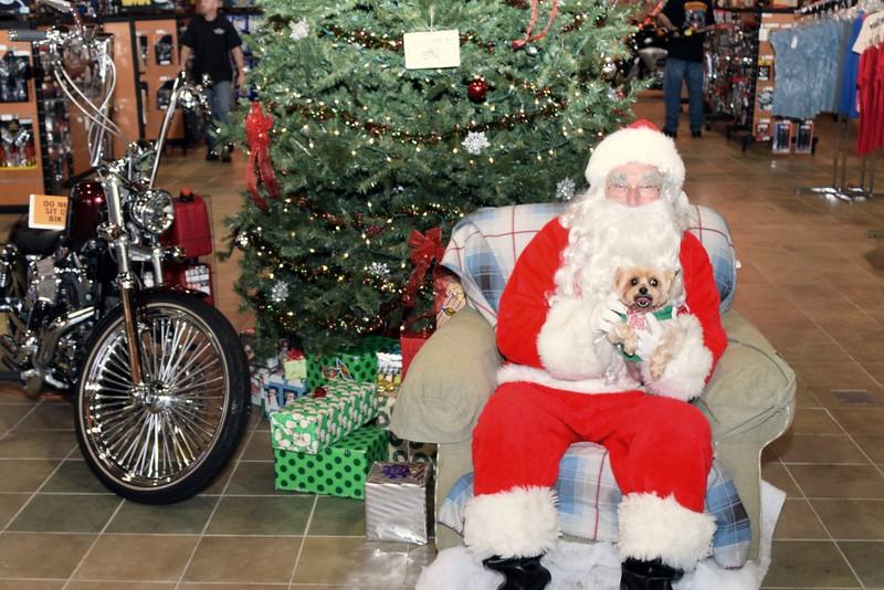 2014 Santa Visits J&P Cycles Florida Superstore (90).JPG