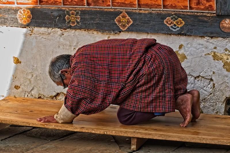 bhutan monk copy3.jpg