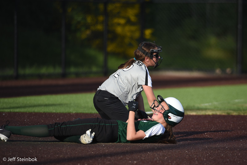 Softball - 2019-05-13 - ELL White Sox vs Sammamish (18 of 61).jpg
