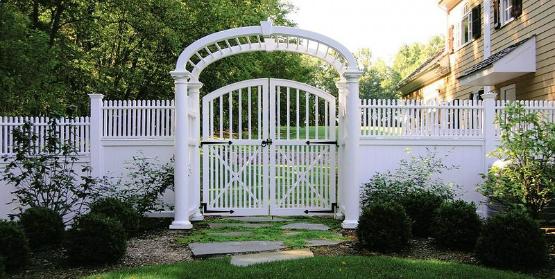 873 - NJ - Modified Westchester Gate in Custom Arbor