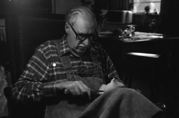 """Paul """"Pa"""" Swayngim (1915-1994)"""