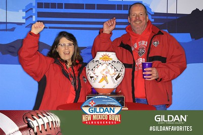 2016.12.17b Gildan New Mexico Bowl Trophy